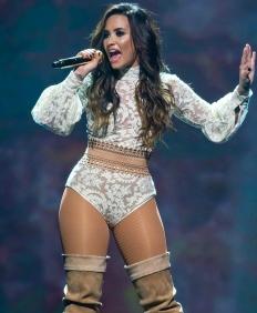 Demi_Lovato,_Future_Now_2016_(Cropped)