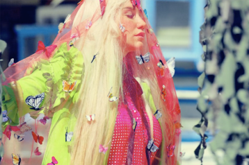 kesha_praying_butterfly